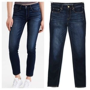 American Eagle Skinny Mid rise jeans. Size 8